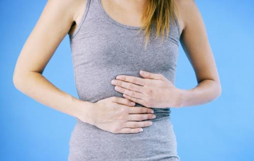 女人腹痛当心妇科病找上你 预防腹痛不可过分疲劳
