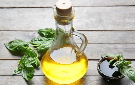 正确适量地使用烹调油 家庭用油的六大误区