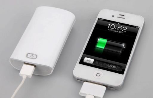 手机的充电误区 边充边玩伤手机也伤身体