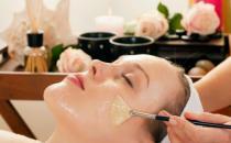 防止毛孔粗大的四个技巧 女生日常护肤注意事项