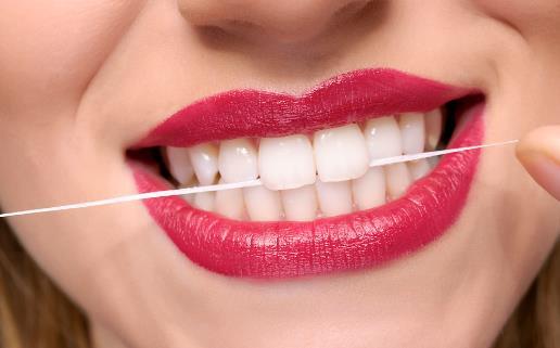 牙线使用小常识 牙线不可以重复使用