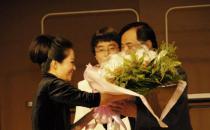 鲜花是高雅礼物 花卉在礼仪交往中的应用形式