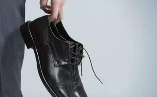 皮鞋霉点处理方法 皮鞋的日常保养