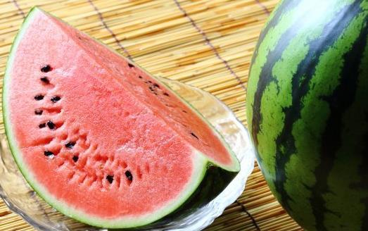 水果有很高的营养 盘点清热解毒的水果