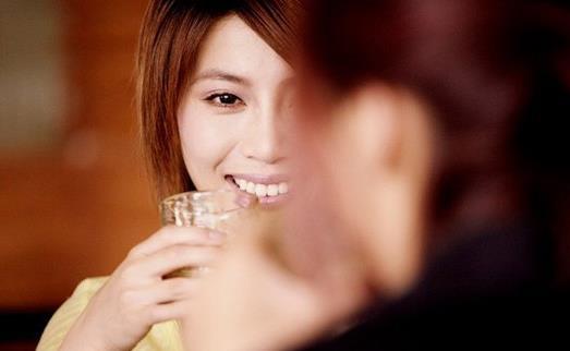 引起乳腺癌的危险因素 女性吃5种水果预防乳癌