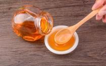 常饮蜂蜜水美容养颜喝出来 蜂蜜的禁忌人群大揭秘