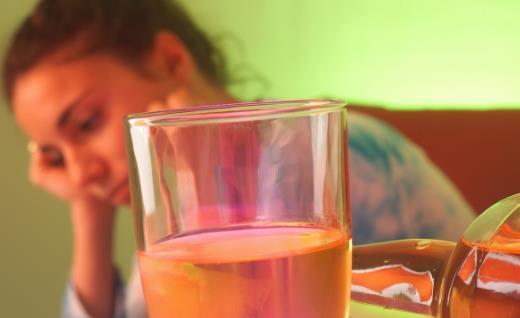 服这类药物再饮酒很危险 双硫仑反应危及生命
