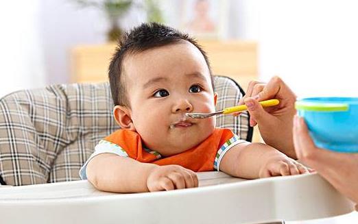 宝宝吃饭难 吃饭这事也得靠练