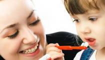 宝宝牙齿护理篇辣妈快来看 宝宝牙齿需要的营养食物