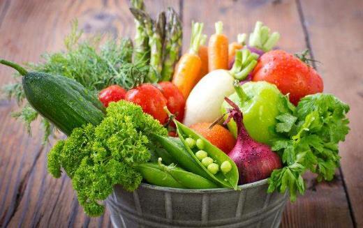 赶走黑色素实现美白效果 很多的蔬菜和水果就可以