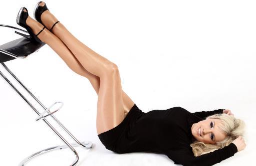 搭配可以让腿看上去变得修长 改变腰线和裤脚试试