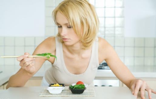 减肥爱好者因减肥被送院 掌握正确的减肥方法很重要