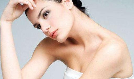 引起乳头瘙痒的因素 预防乳头痒从对胸部的保养开始