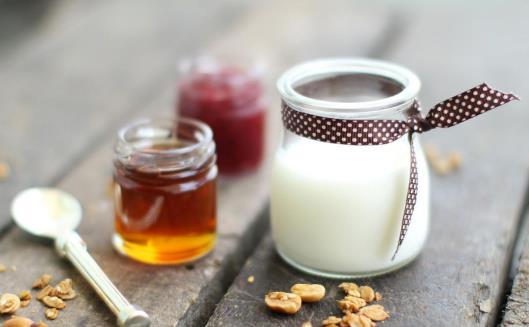 吃撑了来杯酸奶助消化 喝酸奶误区要牢记