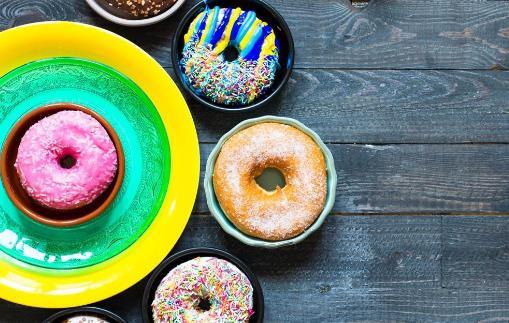除了糖尿病,还有哪些情况可能会引起尿糖高