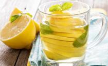 坚持喝吃柠檬水好处多多 柠檬泡茶对皮肤的作用揭秘
