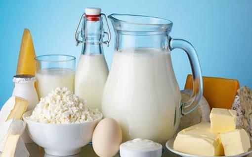 早餐吃面包牛奶这样搭配并不好 牛奶的禁忌要知道