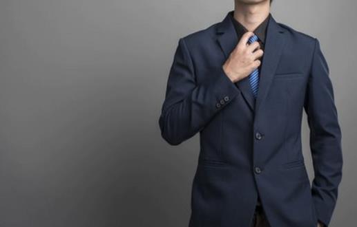 用不到一分钟,就能打出漂亮的领带