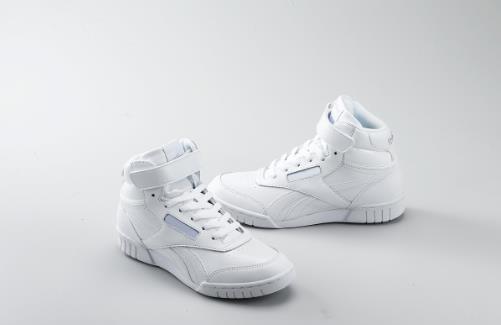 鞋子太小夹脚如何解决 教你用各种日常用品来搞定