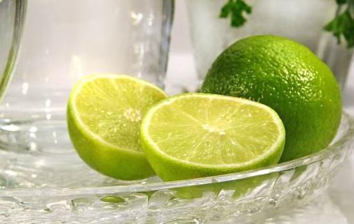 经常喝柠檬水能消炎降血脂 泡一杯优质柠檬水的诀窍