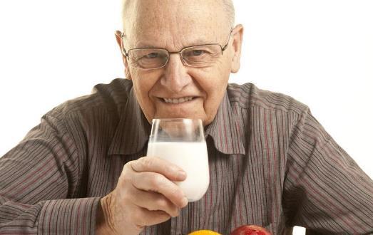 喝牛奶的健康常识 不合适喝牛奶的六种人