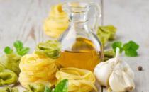橄榄油的生活小妙用 修复皮肤卸妆护发效果棒棒