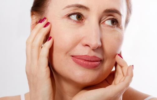 女人步入更年期身体有五个标志 更年期吃对很重要