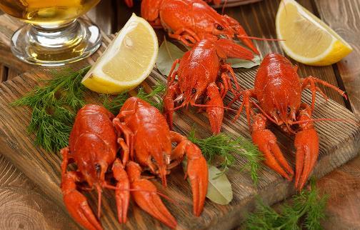 小龙虾头里的黄色部分,是虾黄还是虾屎?告诉你到底能不