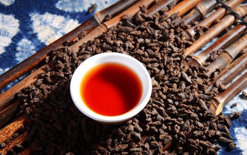 红茶、绿茶到底喝哪种茶最养胃?天天喝茶水,你未必喝对