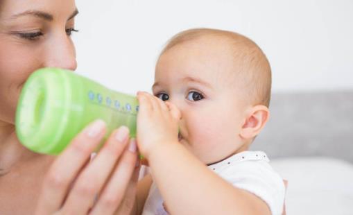 宝宝厌奶期 看宝妈应对厌奶期宝宝的妙招