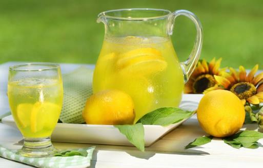 喝柠檬水坚持三个月能变白 喝柠檬水的功效分析
