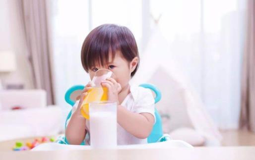 长宝宝时间只吃软食牙齿问题多 宝宝吃硬食的咀嚼训练