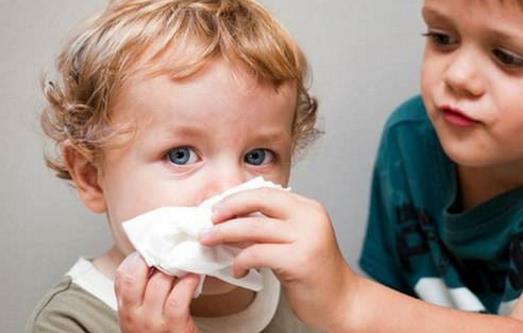 不同顏色鼻涕預示不同健康問題 寶寶流鼻涕正確護理