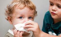 不同颜色鼻涕预示不同健康问题 宝宝流鼻涕正确护理