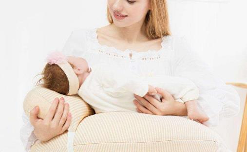 寶寶不吃乳頭 糾正寶寶乳頭混淆法