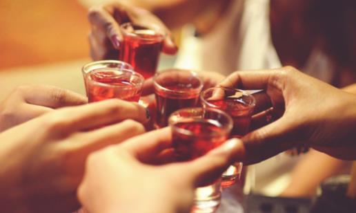 天天喝酒会给身体带来4大危害