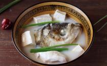 鱼头豆腐是杭州名菜 鱼头豆腐与乾隆的故事