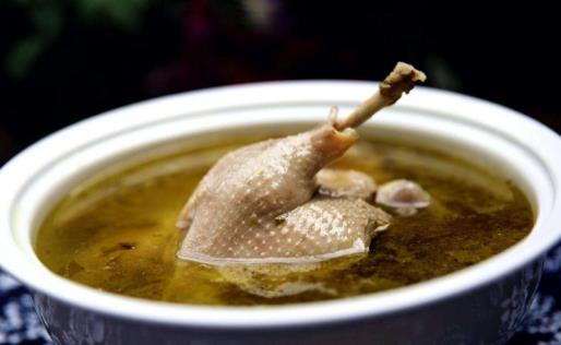 泡菜鸭子汤 在炎炎夏日喝一口回味无穷