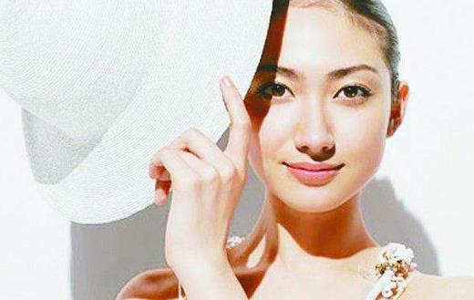 人手必备的夏季护肤小手册 让皮肤光泽细腻妆容清爽