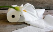 卫生纸有黄色和白色的颜色 实话说有种很脏千万别买