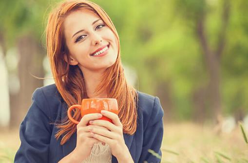 女人每天一杯气血茶,面若桃花,气血足,人或也老的慢