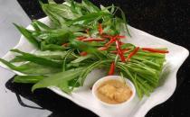 油炒空心菜后颜色发黑是有毒物质吗 空心菜食物搭配
