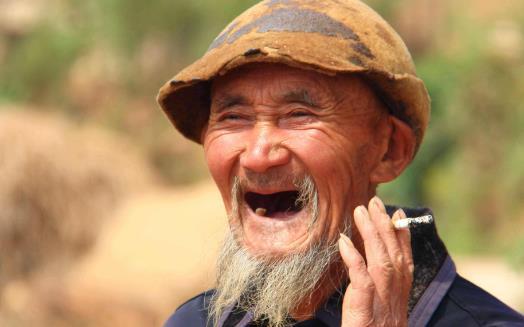 避免老人臭 拥有一个体面的老年生活