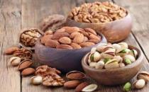 老年人吃坚果可以减缓视力衰退 老年人应选择的坚果