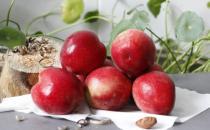 桃子是肺之果烂了一点是否能吃 桃子健康吃法与禁忌