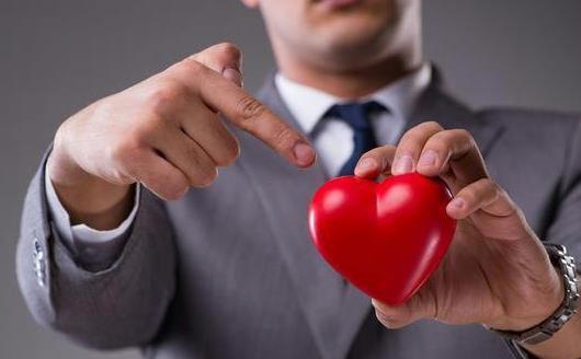 冠心病发病时的症状 预防冠心病要注意的生活习惯