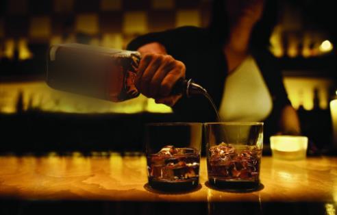 """一喝酒就脸红是酒量小?你的酒量或是""""命中注定"""",练不"""