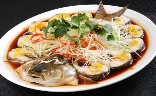 鱼是高嘌呤食物,尿酸高的人,一口也不能吃?这个数量可