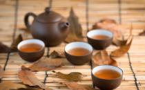 杯中茶垢不除危害大 日常除垢食物帮你清除干净