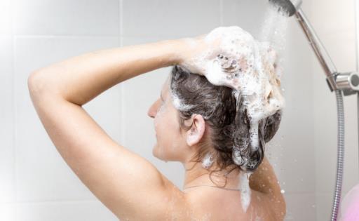洗澡太勤皮肤受不了 夏天洗澡有些事刚做完不要洗澡